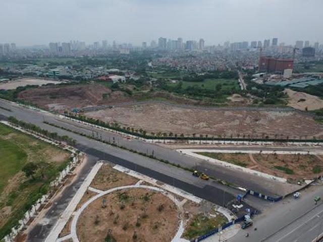 Điểm thông xe với đường Nguyễn Xiển.