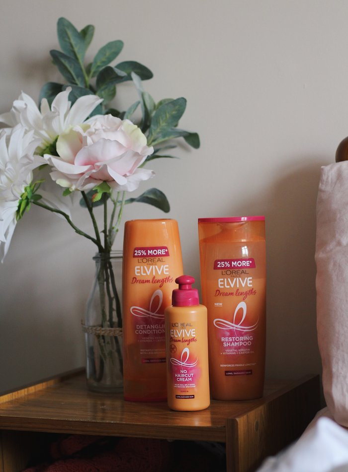 A review of the L'Oreal Elvive Dream Lengths Range including the shampoo, conditioner and no-haircut cream. Created for damaged hair, these products prevent breakage and reduce spilt ends at an affordable price.