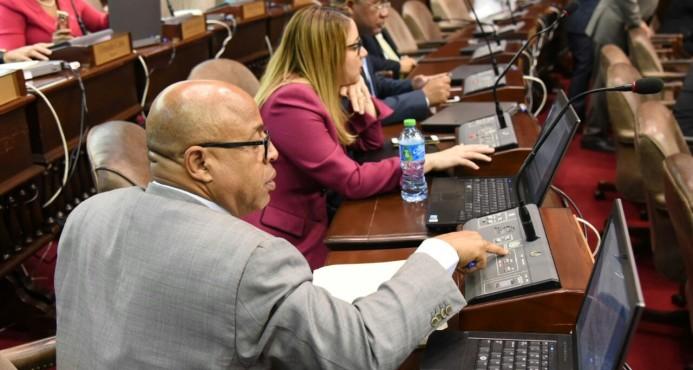 Cámara de Diputados envía a comisión de justicia el Código Penal