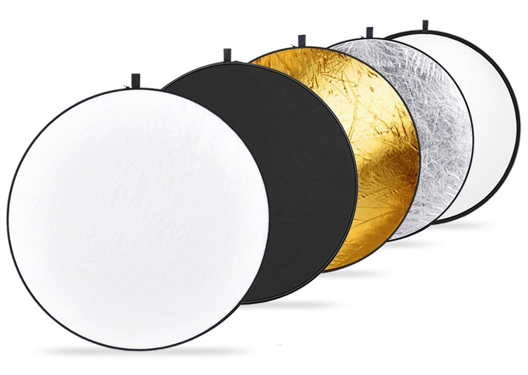 "Neewer Portable 5 in 1 60x60cm/22""x22"" Translucent, Silver, Gold, White, and Black Collapsible Round Multi Disc Light Reflector for Studio or any Photography Situation"