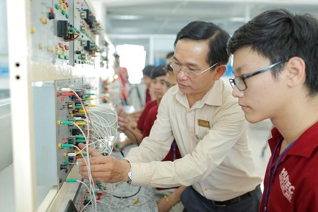 Sinh viên tích lũy được nhiều kiến thức và kỹ năng chuyên ngành Điện – Điện tử