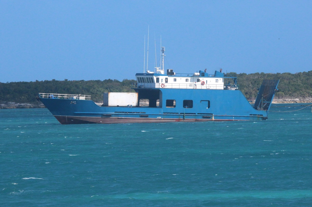 photo essay live action nassau by ron lightbourn kct sea spirit m v kct towing the m v sea spirit ii a towing line very clearly stretched out from the stern the same taught black and yellow hawser which was not