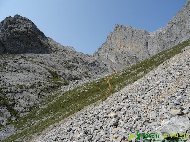 Ruta Torre Bermeja: Subiendo al Collado de Pambuches