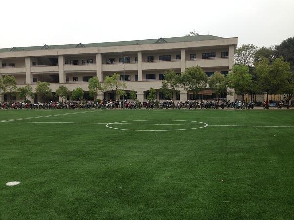 Sân bóng đẹp nhất khu Định Công mới - www.TAICHINH2A.COM