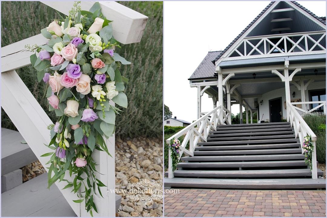 Pastelowe dekoracje kwiatowe - wesele w restauracji Trzy Drzewa Rzetnia
