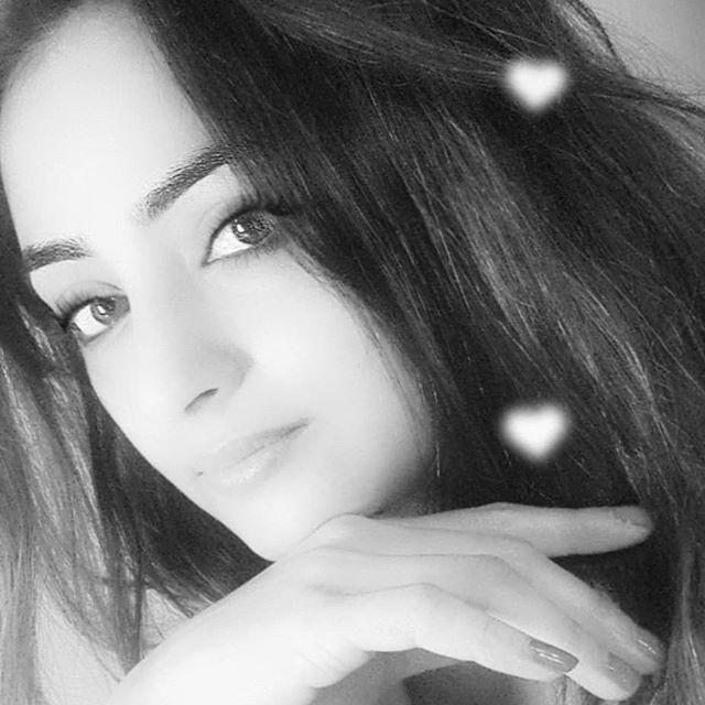 Madirakshi Mundle pictures