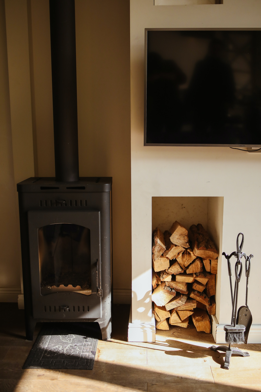 Zo creeer jij een warme uitstraling in huis. Met een houten vloer en/of houten details en zachte en natuurlijke materialen