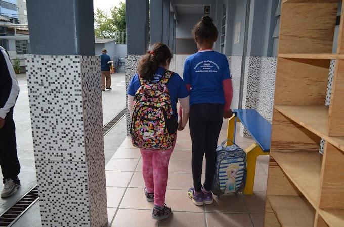 Escolas Municipais de Cachoeirinha voltaram às aulas nesta segunda-feira