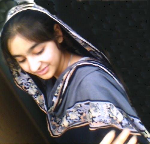 Hd Simple Wallpapers Hot Pakistani Girls-6681