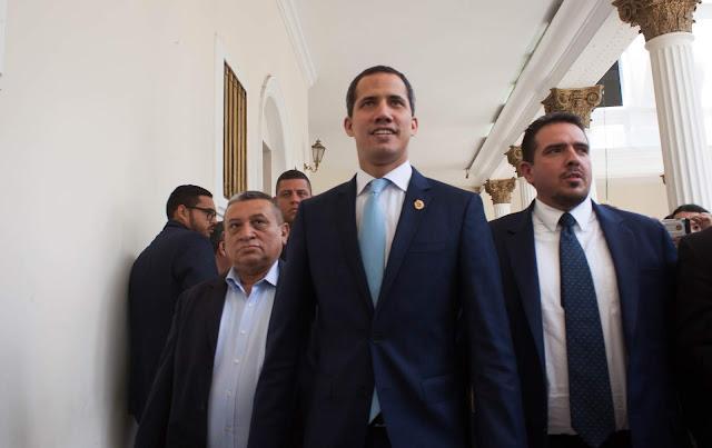 Oposición se debilita al incumplir las promesas y le urge más presión internacional, según politólogos