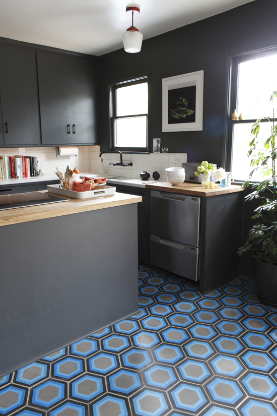Contemporary kitchens with cement tiles| Photo by Kismet Tile via flodeau.