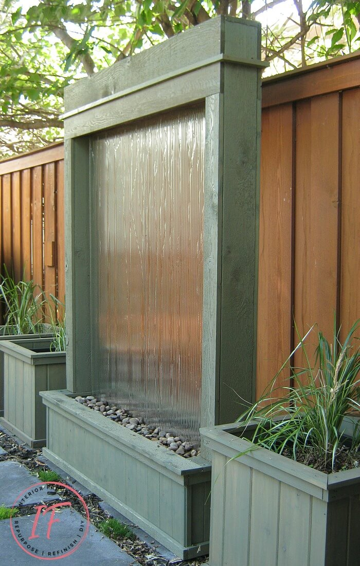 Recycled Tempered Glass Water Wall