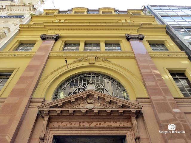 Perspectiva inferior da fachada do Edifício Malvina Chammas Curi - Centro - São Paulo