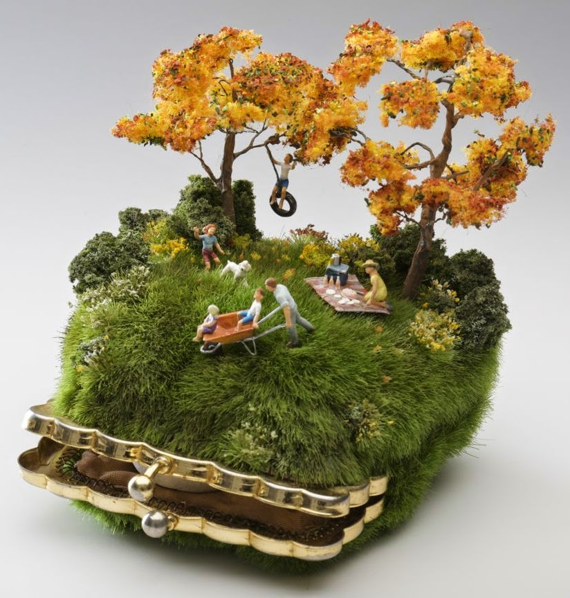 02-Kendal-Murray-Surreal-Miniature-Worlds-in-Everyday-Objects-www-designstack-co