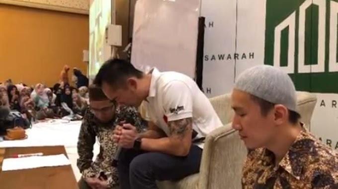 Pelukan Pertama Ustadz Felix Siauw untuk Koh Freddy, Menjadi Mualaf Semata Karena Hidayah Allah
