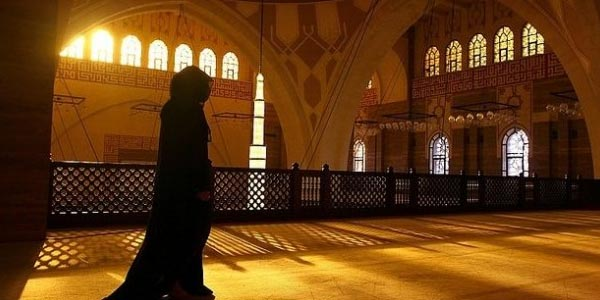 [Ngaji Adab] Islam Melarang Mencaci Sesembahan Agama Lain