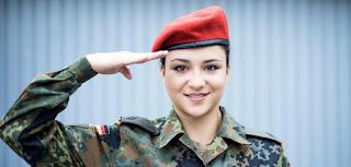 Женщине в немецкой армии