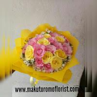 Toko bunga surabaya Makutoromo florist