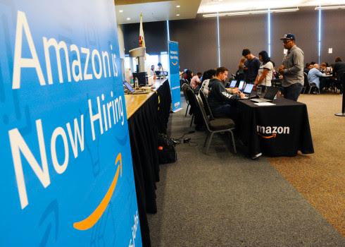 HUMAN RESOURCES : Amazon's AI Human Resources assistant gets unplugged for being sexist!!!