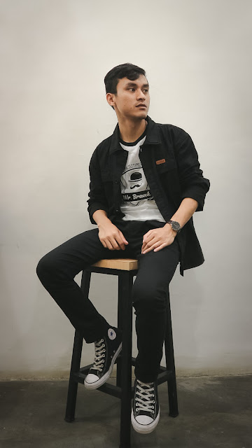 kenakan outwear keren style hitam putih
