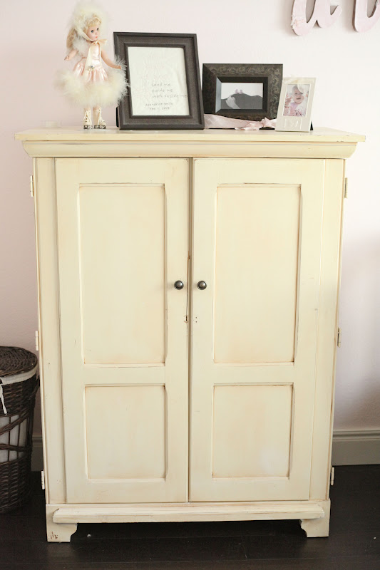 our daily obsessions: :: Craigslist Find - computer armoire