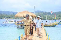 Buka Festival Mtu Mya, Edi Langkara Dukung Pulau Mtumnya Jadi Destinasi Pariwisata di Halteng