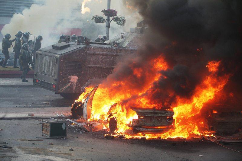 Quenita Larraín habla de su auto quemado afuera del OHiggins