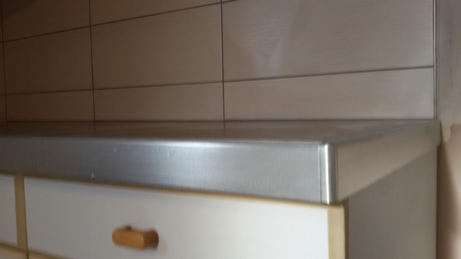 Pose carrelage et parquet 79 pose de carrelage de cuisine for Pose carrelage plan de travail