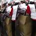 Video Marcha Federal Docente: Reparto de guardapolvos para 'disfrazarse' de maestros