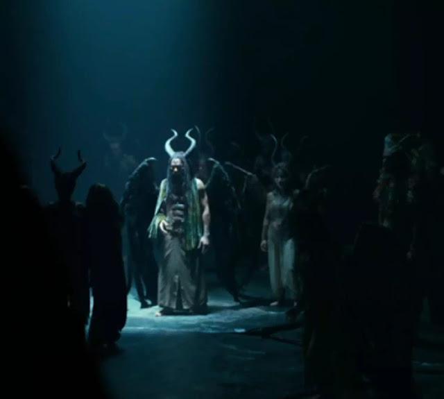 Setelah ditolong Conall, Maleficent sadar bahwa masih ada Dark Fay lain yang bersembunyi.