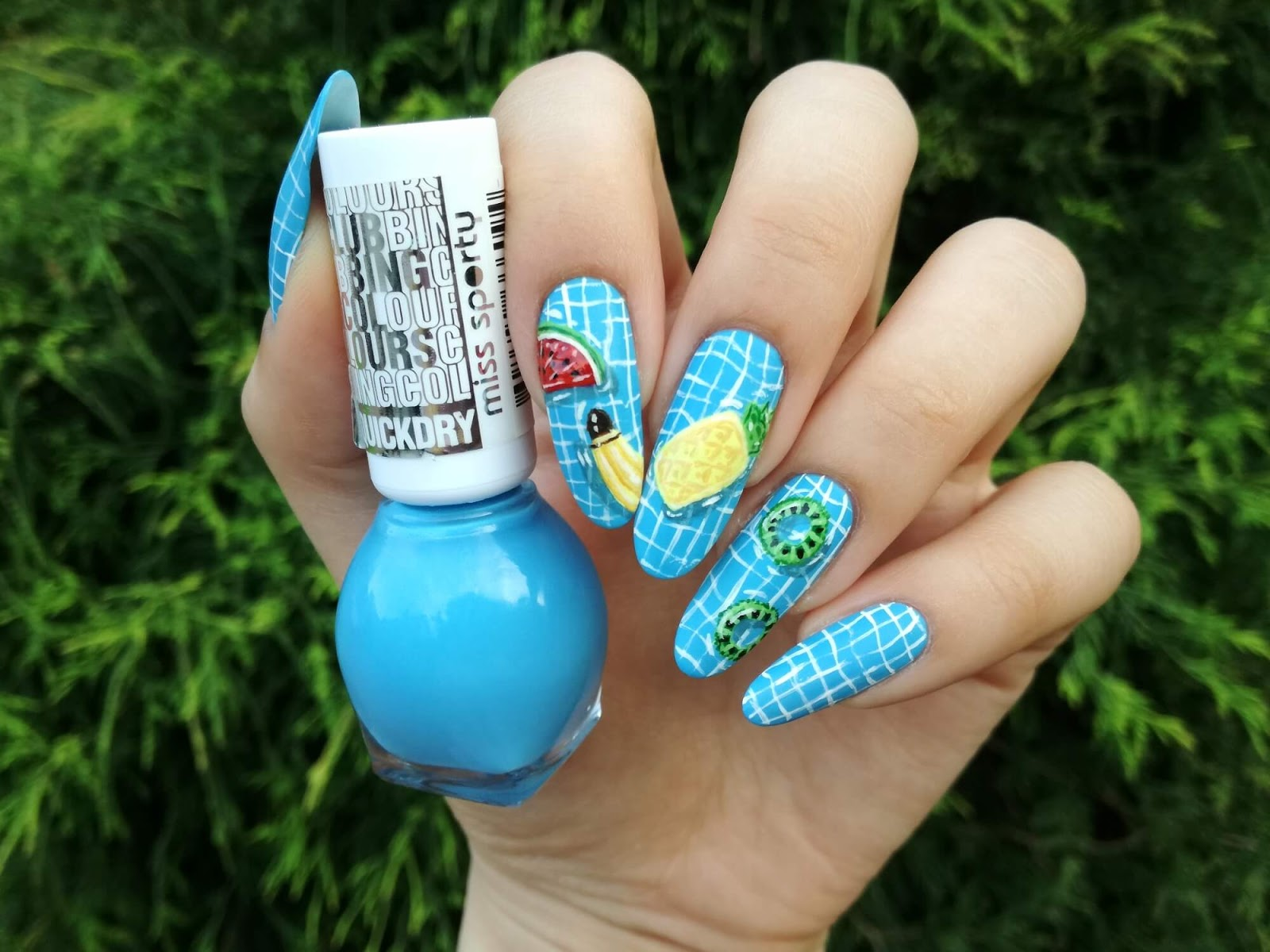 owocowe wzorki na paznokcie