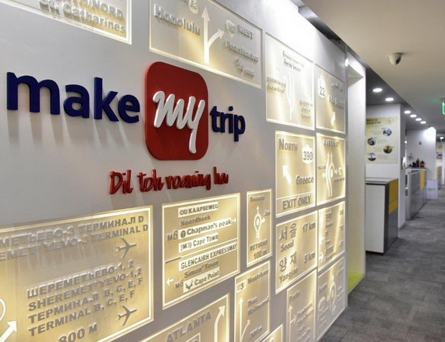 Tinuku Flipkart and MakeMyTrip collaborate on travel booking services
