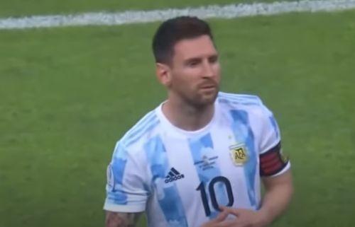 ميسي فى مباراة الأرجنتين مع أورجواي