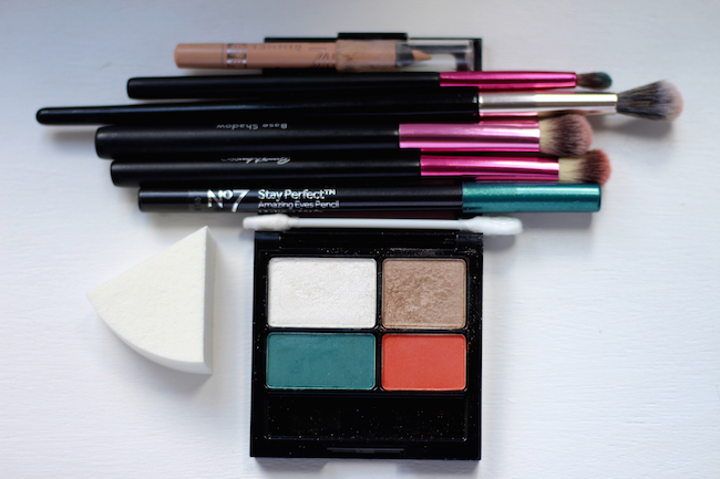 Fake Fabulous | Colourful daytime makeup, over 40.