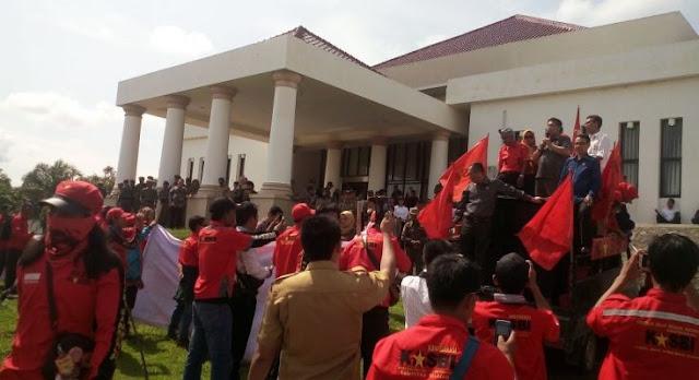 DPRD OI Janji Perjuangkan Hak Buruh