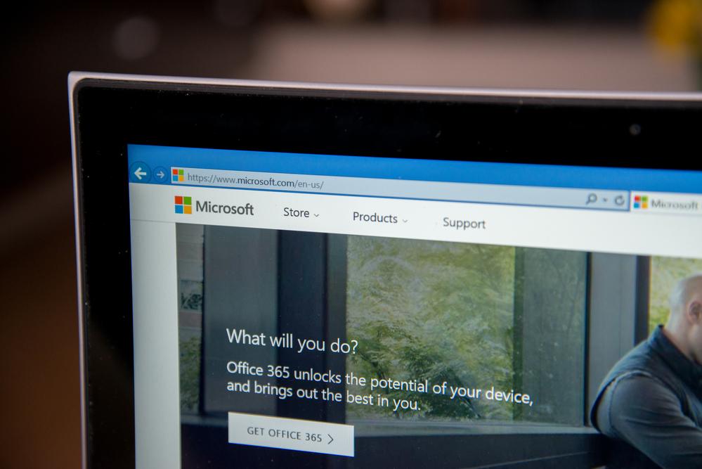 menghilangkan cuaca dan berita microsoft di taskbar windows