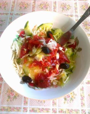 salata de telina, castravete, ceapa