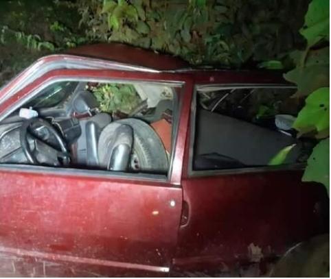 Dois morrem atropelados por picape enquanto trocavam pneu de Fiat Uno em MT