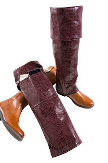 K'Mich Weddings - wedding planning - faux burgundy reptile boot pocket - gift ideas- Hulle Design