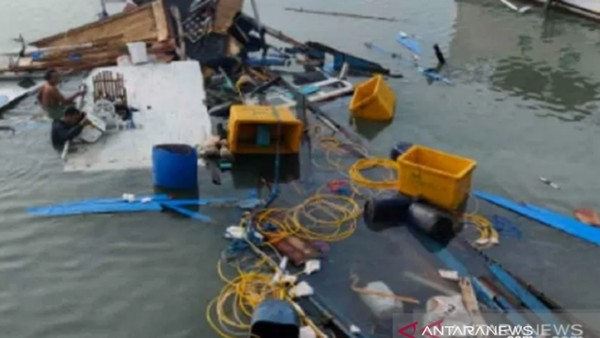 Kapal Rombongan Kunjungan Bupati Buton Selatan Kecelakaan, 2 Orang Tewas