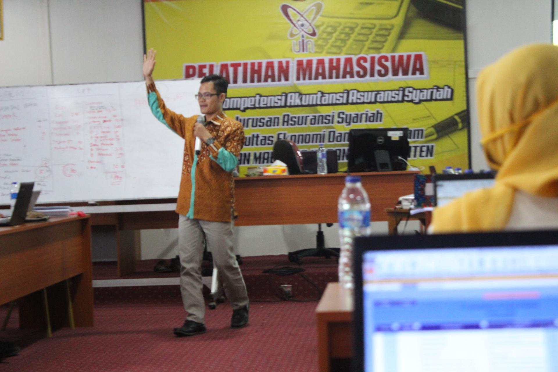 Pelatihan Akuntansi Asuransi Syariah di UIN Banten