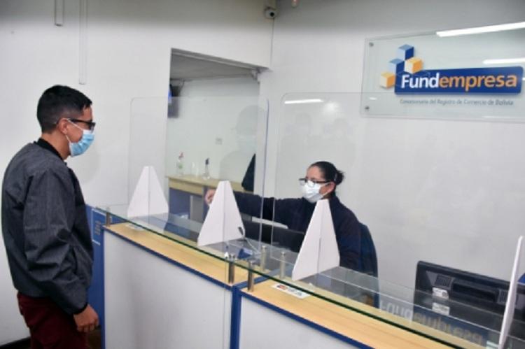 Cada año, los empresarios formales renuevan sus matrículas en Fundempresa / DELTA FINANCIERO