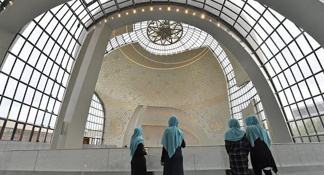 Η Γερμανία εγκαινιάζει πρόγραμμα εκπαίδευσης ιμάμηδων, χρηματοδοτούμενο από το κράτος