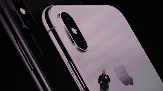 آبل تكشف رسمياً عن هاتفها Apple iPhone X  بشاشة  OLED وخاصية التعرف على الوجه  Face ID