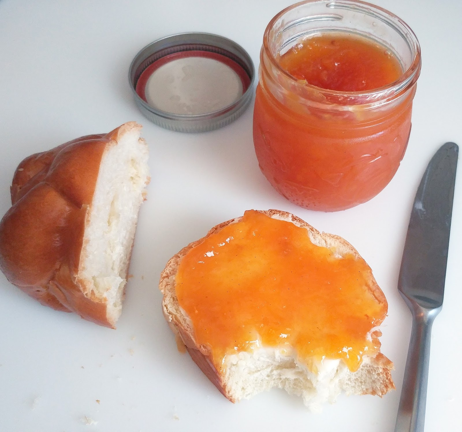 Culturally Confused: Serious Eats: Vanilla Bourbon Peach Jam