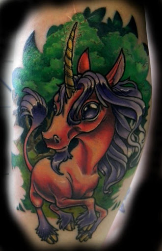 O unicornio com olhos grandes