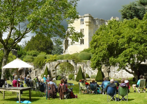 Shakespeare's coming to Great Fulford - ALL'S WELL  THAT ENDS WELL with Troubadour Stageworks.