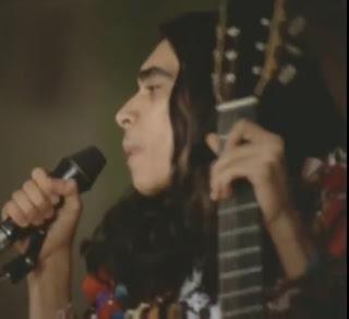 Página Musical || Sérgio Sampaio cantando: Eu Quero É Botar Meu Bloco Na Rua