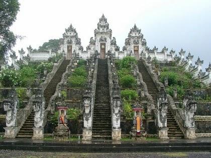 Menelusuri Tempat Suci atau Tempat Ibadah di Bali