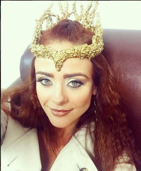 Kalesi (Juliana Silveira), A terra prometida, figurino, coroa de rainha